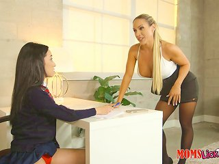 Looks Like This Cougar Will Help The Schoolgirl To Become A Lesbian!