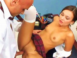 Cock-swallowing Babe Crissy Moon Is Sucking A Horny Dick