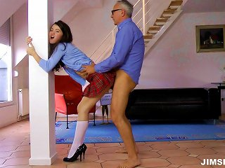 It's A Perfect Time To Watch This Schoolgirl's Muff Gets Damaged In Pov